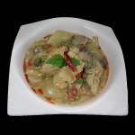 15 Spicy chicken breast in red curry with coconut milk, peas & thai herbs.