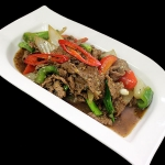 26 Sliced Beef with onion, spring onion, peppers & red chillies in black pepper sauce.