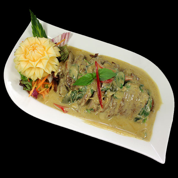 45 Crispy Duck in a creamy curry sauce with chillies and basil leaves.